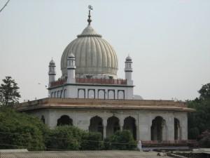 The holy tomb of Imam Rabbani Mujaddid Alf-e-Sani Shaykh Ahmad Sirhindi, at Sirhind, India